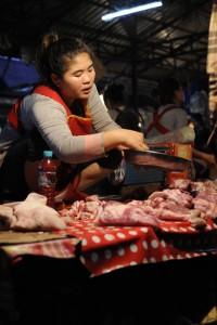 K16 - les courses au marché de Thakkek
